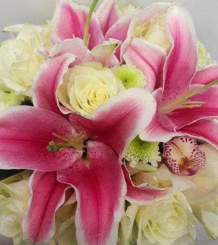 Send Flowers for a newborn baby Αποστολές σε Μαιευτήριο