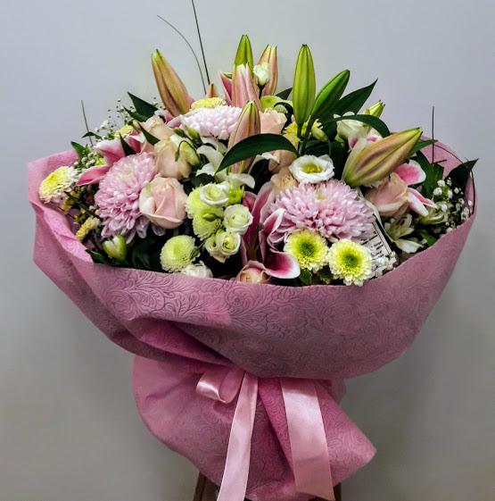 Σεμέλη μπουκέτο με ροζ άνθη