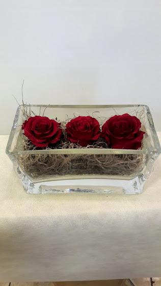 forever roses glass table vase 1b
