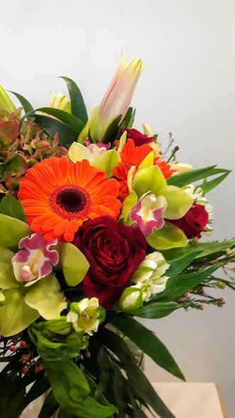 bouquet antique red roses green orchids orange gerbera 3