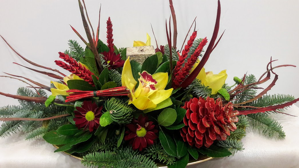 christmas center-piece with candle round