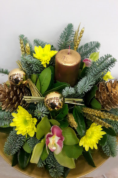 christmas center-piece with candle round 1