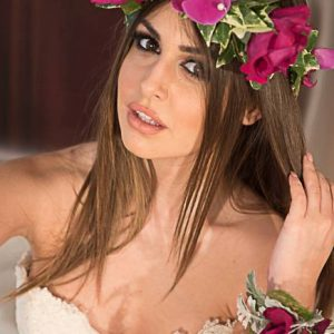 flowers crowns hairstyle floral ideas Flowers Papadakis est 1989 www.flowers4u.gr