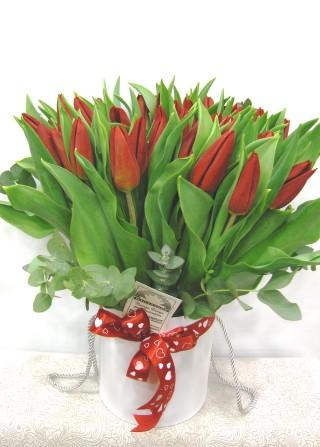 flowers in the box tulips flowers4u.gr