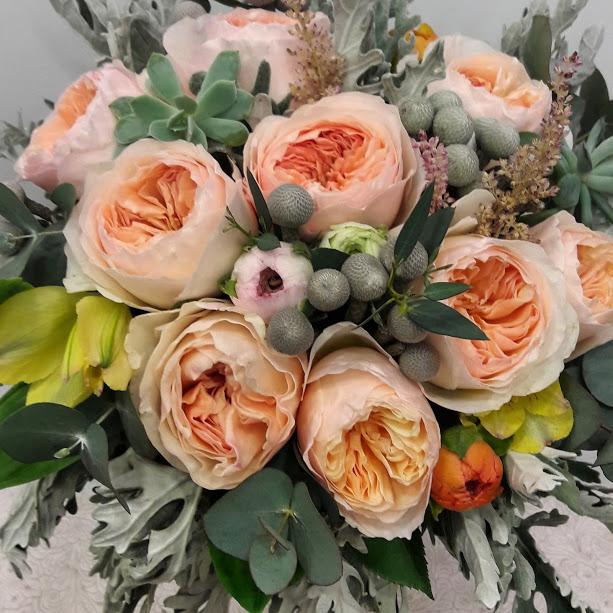 nifiko mpouketo me garden roses Juliet