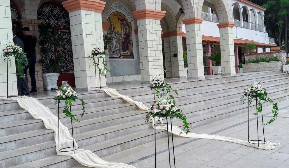 διακόσμηση εξωτερικου χώρου εκκλησιας