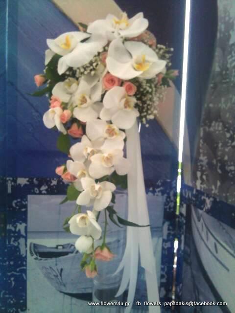 νυφικο μπουκετο με ορχιδεες και μινι τριανταφυλλα