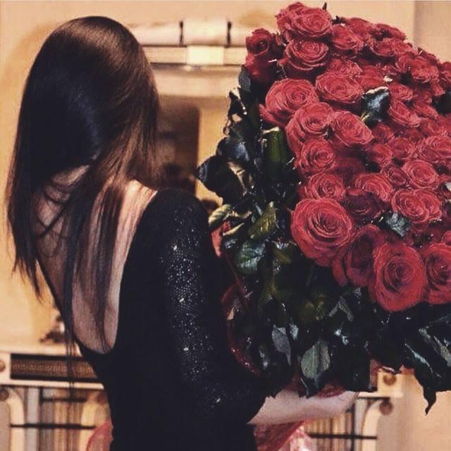 red roses flowers papadakis