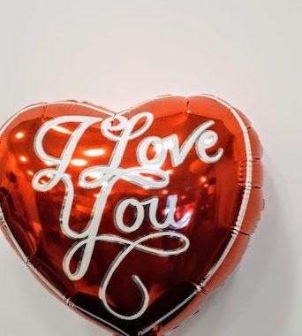 μπαλόνι Love foil 20εκ Χ 20εκ με καλαμάκι στήριξης