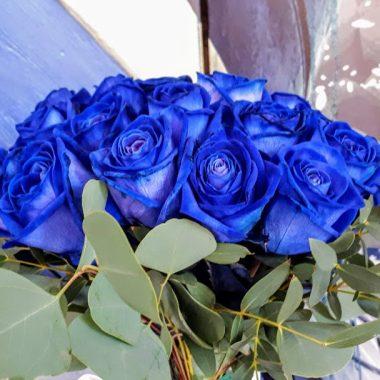 bleu roses bouquet