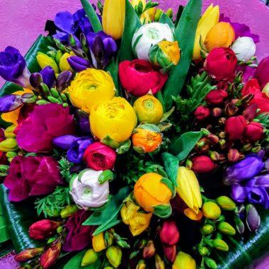 seasonal bouquet spring